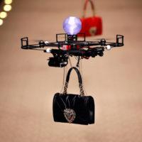 46904 Будущее наступает: показ Dolce & Gabbana открыли летающие дроны