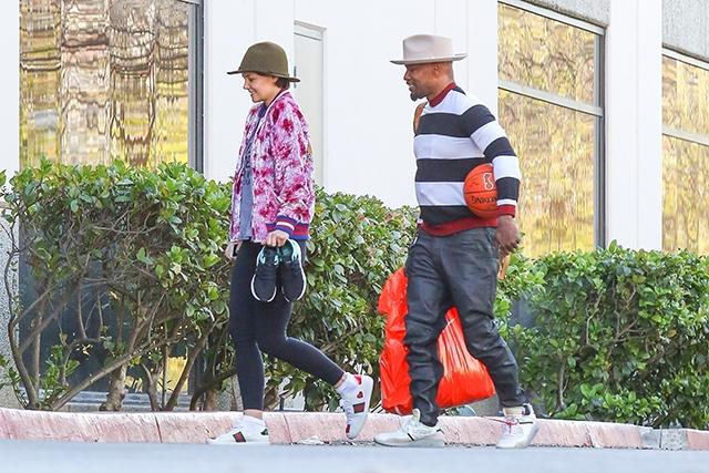 46706 Кэти Холмс и Джейми Фокс провели День всех влюбленных на баскетбольной тренировке
