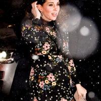 46955 Кейт Миддлтон храбро сразилась с лондонским снегопадом в легком весеннем платье