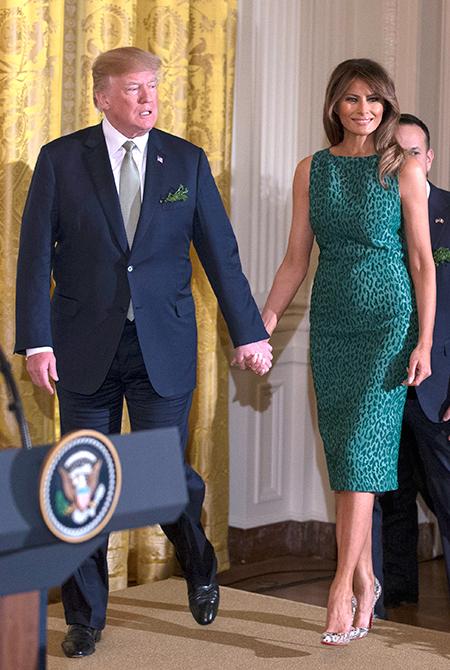Мелания Трамп поддержала Дональда Трампа на официальном приеме после публикаций о его изменах