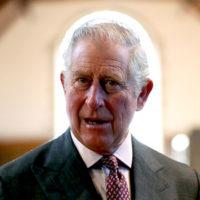 47287 Принц Чарльз путешествует со своей кроватью