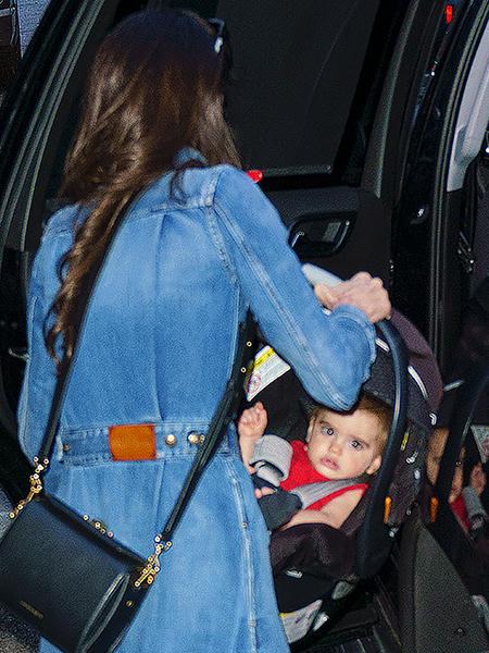 Амаль Клуни впервые показала лицо одного из близнецов