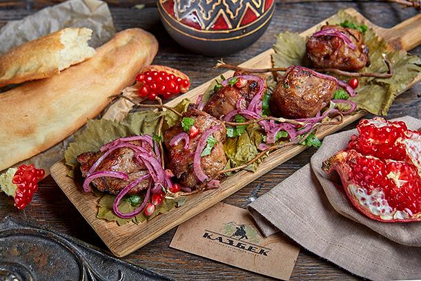 Секреты приготовления и три рецепта идеального грузинского шашлыка — из курицы, семги и ягненка