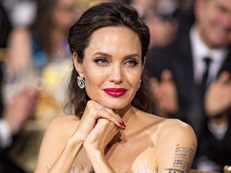 48730 Анджелина Джоли подписалась на новое фэнтези