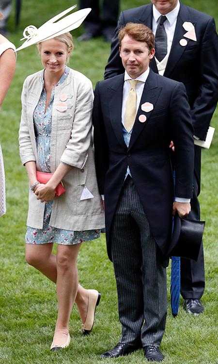 Джеймс Блант оработес королевой Елизаветой, докторской степени исвадьбе своего друга, принца Гарри