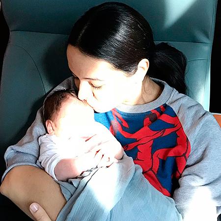 Это официально: Диана Вишнева стала мамой. Первое фото с малышом