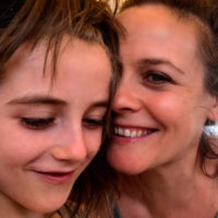 48970 Алисия Сильверстоун показала сыну фильм со своим участием - реакция мальчика была неожиданной