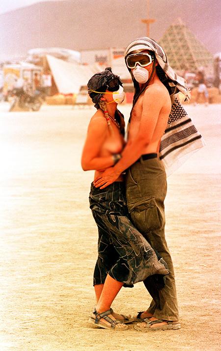 17 фактов о безумном фестивале Burning Man, который обожают звезды
