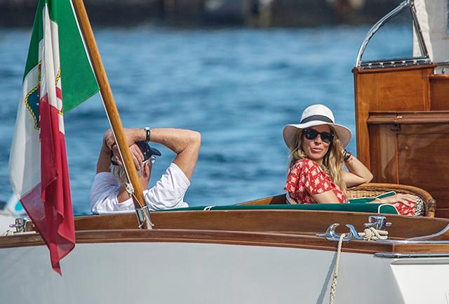 49891 Ричард Гир и Алехандра Сильва отдыхают на Капри