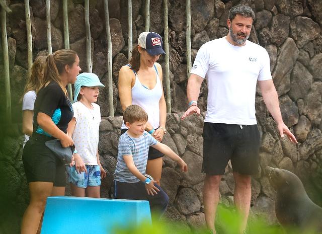 Стало известно, с кем останутся дети Бена Аффлека и Дженнифер Гарнер после их развода