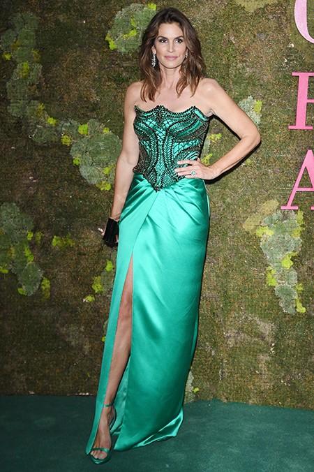 Синди Кроуфорд, Кейт Бланшетт, Тина Кунаки и еще 15 самых стильных гостей премии Green Carpet Fashion Awards