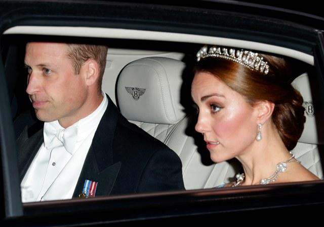 Кейт Миддлтон надела любимую тиару принцессы Дианы на банкет в честь нидерландских монархов