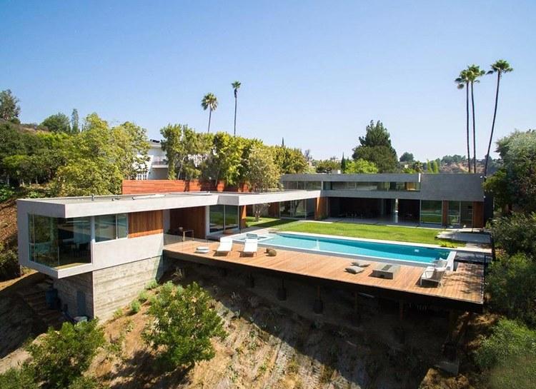 Ник Джонас купил особняк для семейной жизни с Приянкой Чопрой: экскурсия