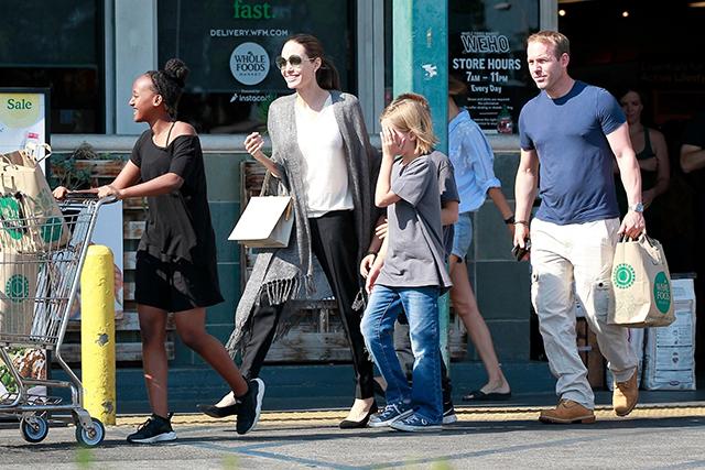 Анджелина Джоли и Брэд Питт достигли соглашения в вопросе опеки над детьми