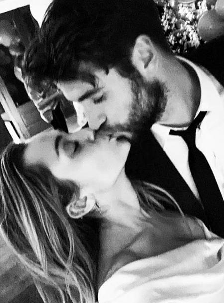 Майли Сайрус и Лиам Хемсворт опубликовали фотографии со своей тайной свадьбы