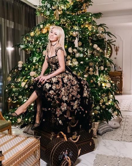 52044 Праздник к нам приходит: как российские и зарубежные знаменитости украсили свои елки в 2018 году