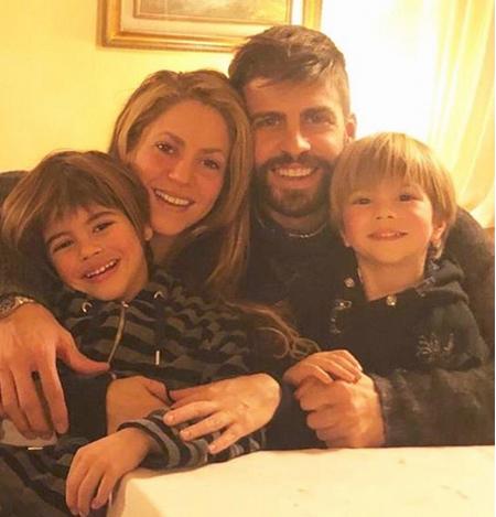 Шакира показала трогательное семейное фото