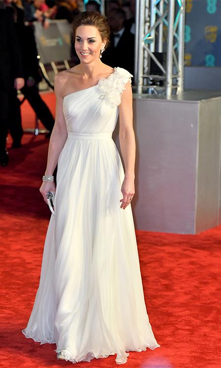 Кейт Миддлтон и принц Уильям в костюмах жениха и невесты на церемонии вручения премии BAFTA