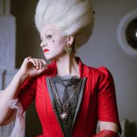 """52763 При полном параде: украшения Swarovski в опере-променаде """"Пиковая дама"""""""