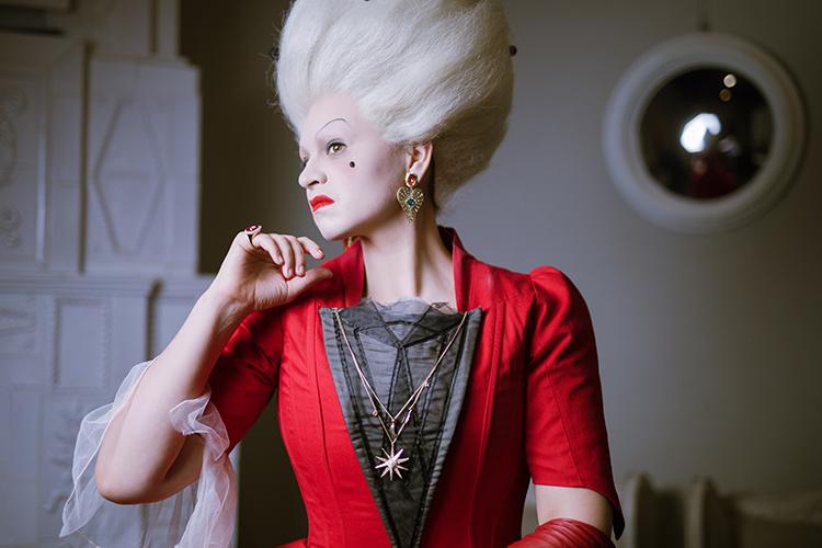 """При полном параде: украшения Swarovski в опере-променаде """"Пиковая дама"""""""