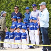54797 Бен Аффлек провел для сына Сэмюэля урок по бейсболу