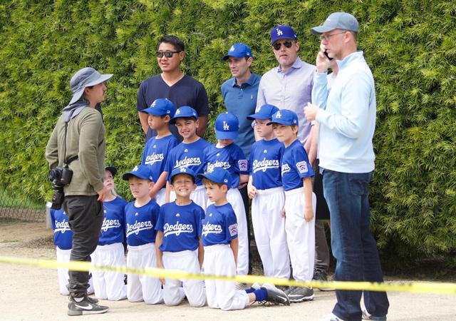 Бен Аффлек провел для сына Сэмюэля урок по бейсболу