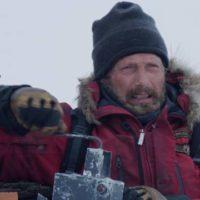 53371 Мадс Миккельсен сражается за жизнь в триллере «Арктика»