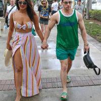54871 В своем кругу: Приянка Чопра и Софи Тернер с братьями Джонас на яхте в Майами