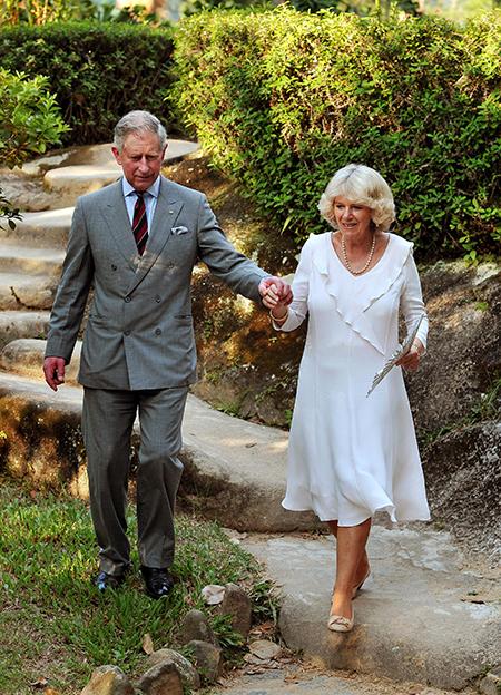 К годовщине свадьбы: 15 забавных фотографий принца Чарльза и герцогини Камиллы