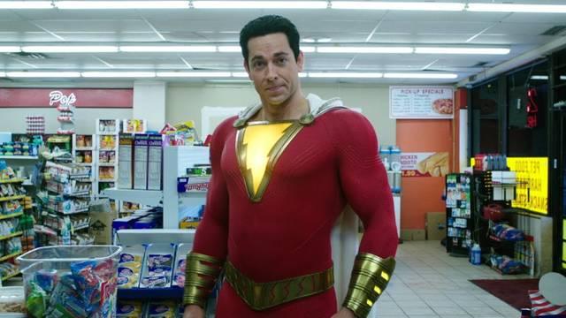 55166 Почему Супермен не показал свое лицо в «Шазаме!»
