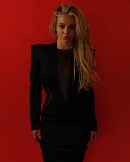 55550 Бритни Спирс снялась в новой фотосессии после выхода из клиники