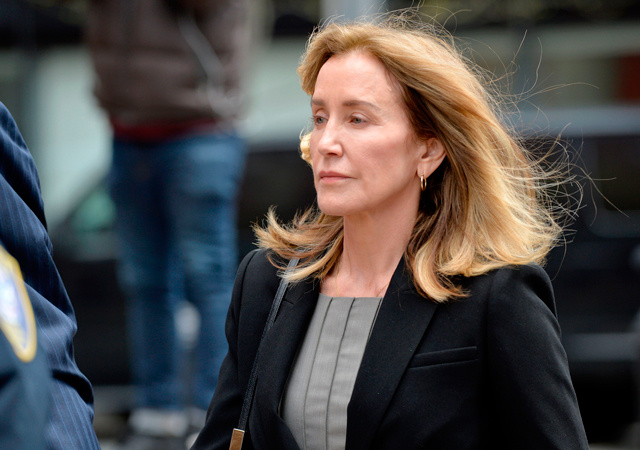 Фелисити Хаффман грозит тюремное заключение по делу о взятке