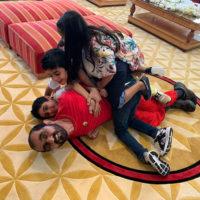 56736 Эмир Дубая отпраздновал 70-летие в окружении детей и внуков в своем поместье в Великобритании