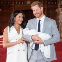 56509 Меган Маркл и принц Гарри вновь нарушают королевские традиции: новые детали крещения их сына Арчи