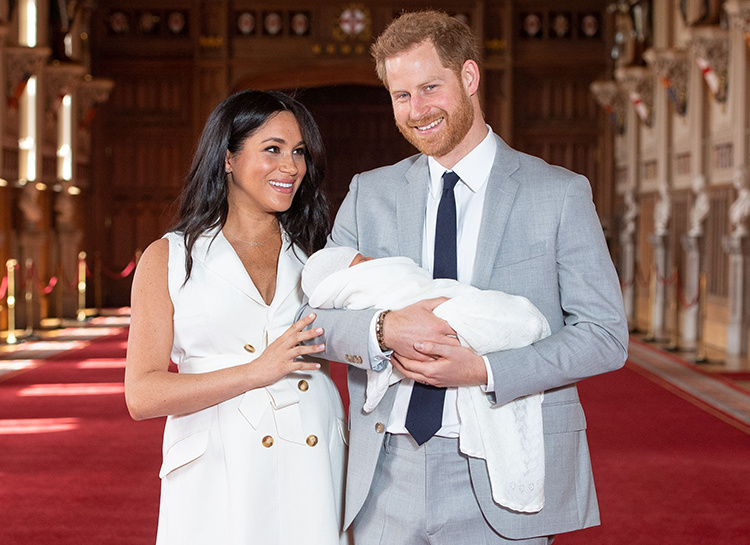 Меган Маркл и принц Гарри вновь нарушают королевские традиции: новые детали крещения их сына Арчи