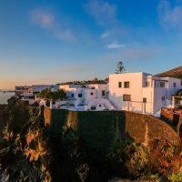 56842 В гостях у Доменико Дольче и Стефано Габбана: экскурсия по необычной вилле дизайнеров на острове Стромболи