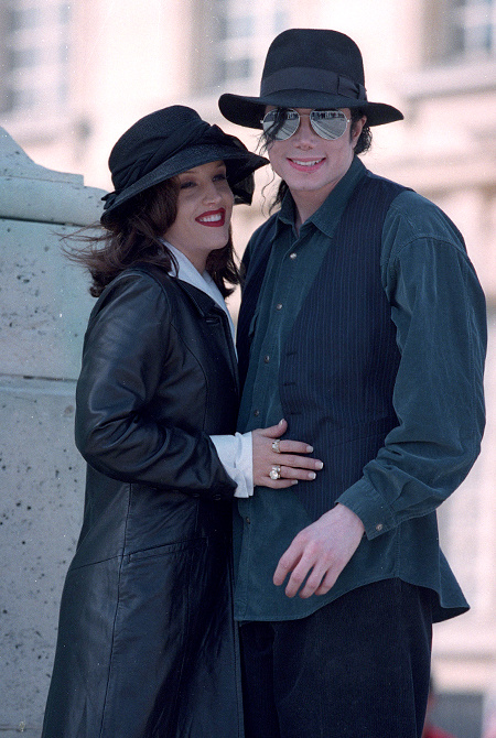 Бывшая жена Майкла Джексона раскроет все его секреты в своей новой книге