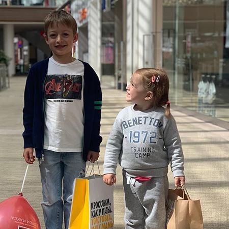 Оксана Акиньшина показала подросших сына и дочь