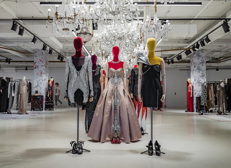 57103 От уникальной винтажной выставки до smart-шопинга: дайджест fashion-новостей недели