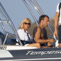 57602 Президент Франции Эммануэль Макрон с женой Бриджит на отдыхе в Средиземном море
