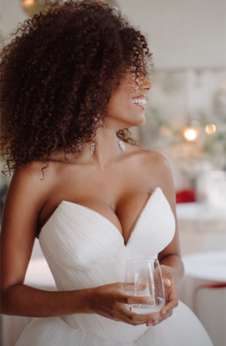 Тина Кунаки показала новые фотографии со свадьбы с Венсаном Касселем