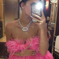 57109 В цветах и бриллиантах: как Кайли Дженнер отметила свой день рождения