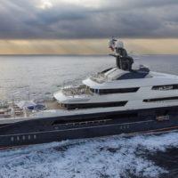 57011 Вопрос на миллион: зачем Кайли Дженнер яхта беглого банкира