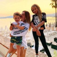 57065 Впервые после Instagram-запрета: в сети появилось фото младшей дочери Анны Седоковой