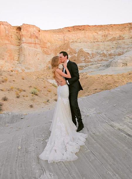 58037 DJ Tiësto женился на модели вдвое моложе себя