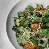 57852 Сытный ужин: фалафель с хумусом и салатом