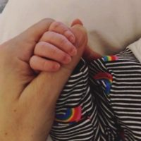 58293 44-летняя певица Натали Имбрулья впервые стала матерью