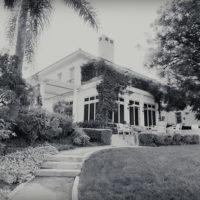 58205 Анджелина Джоли показала дом в Лос-Анджелесе, куда она переехала после развода с Брэдом Питтом: видео
