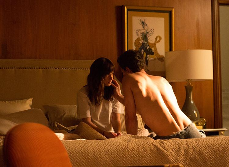 """Автор """"50 оттенков серого"""" Эрика Л. Джеймс: """"Муж помогает мне репетировать сцены секса из моих романов"""""""