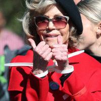 58567 Джейн Фонда получила престижную премию с наручниками на руках